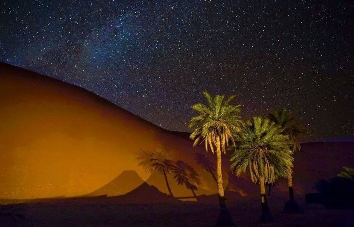 Ouarzazate Desert Trip: 2 Days 1 Night to Merzouga Desert Camel Excursion and Night in Desert